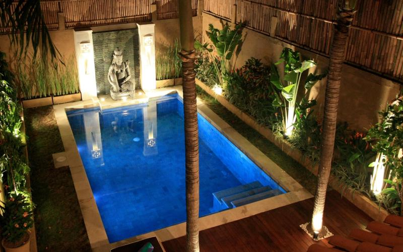 Private pool with Balinese water feature - Luxury.Great location.Pool fence.TripAdvisor Award - Bali - rentals