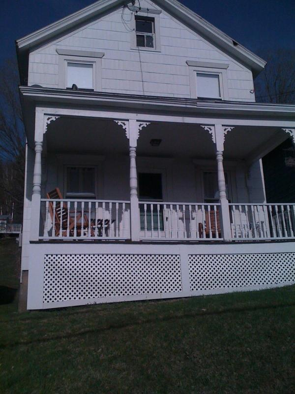 Great front porch with nice view - Lovely Cottage Minutes to Tanglewood -Walk to Town - Lee - rentals