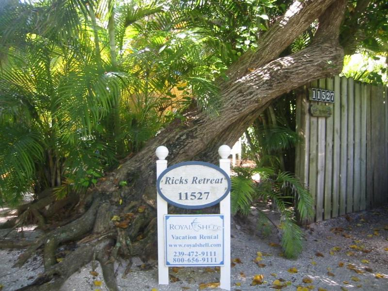 Parking Area - Ricks Retreat In Captiva Florida - Captiva Island - rentals
