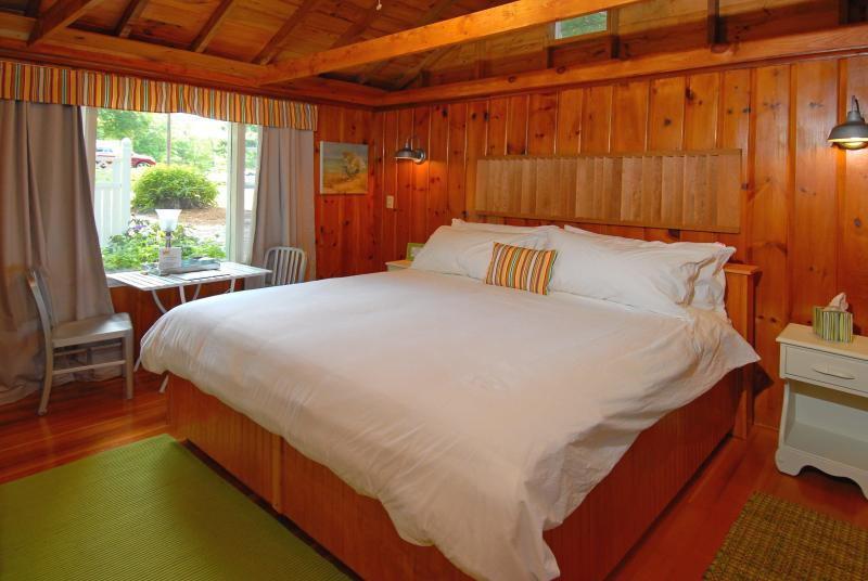 Big Soft Clean King Sized Bed - Cozy Cottage, InTown Wolfeboro, Lake Winnipesaukee - Wolfeboro - rentals