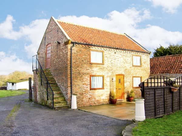 CROFT GRANARY, family friendly, country holiday cottage, with a garden in Stillington, Ref 4458 - Image 1 - Easingwold - rentals