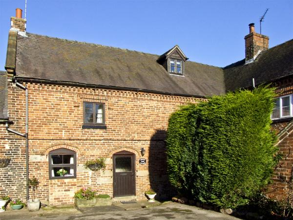 CHURCH FARM COTTAGE, pet friendly, character holiday cottage, with a garden in Edlaston, Ref 4478 - Image 1 - Ashbourne - rentals