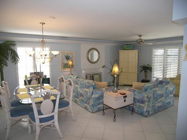 Living Room - Exceptionally Outfitted - Great Price - Best Value - Captiva Island - rentals