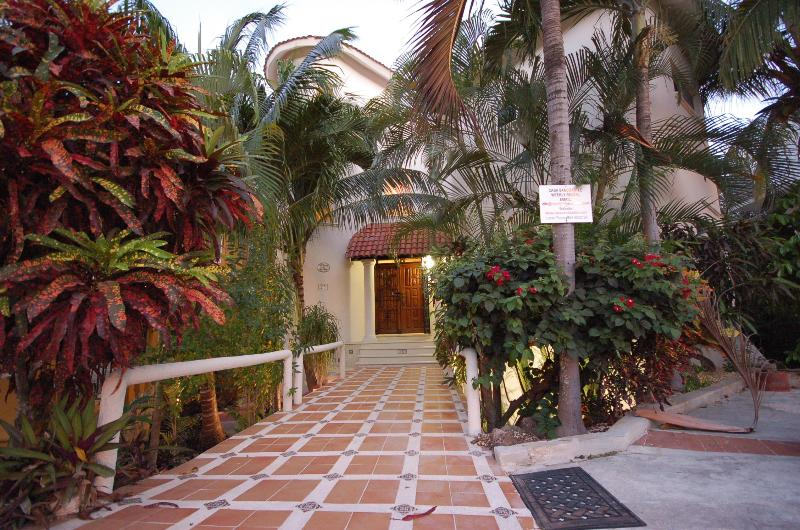 On a quiet private street  200 meters from the beach - Casa Sand Castle Playa Del Carmen - Playa del Carmen - rentals