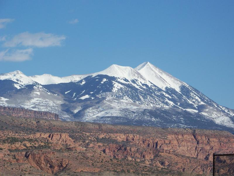 View from Master Balcony - GEAT FALL/EARLY SEPT RATES-WiFi+Hot Tub 1600 Sq.Ft - Moab - rentals