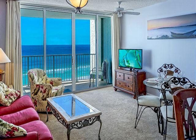 LIVING ROOM HAS GREAT DECOR AND AN INCREDIBLE VIEW! - COZY BEACHFRONT CONDO FOR 4! NEW DECOR! OPEN 10/4-11! TAKE 15% OFF! - Panama City Beach - rentals