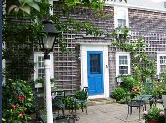 2 Bedroom 1 Bathroom Vacation Rental in Nantucket that sleeps 4 -(9878) - Image 1 - Nantucket - rentals