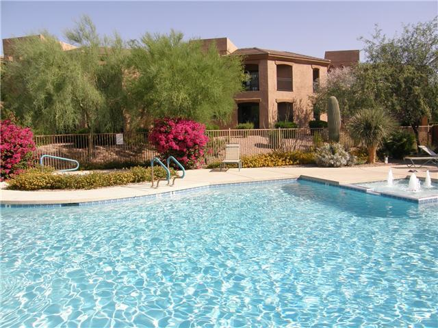 Pool View - Scottsdale Condo with Mountain Views, nearby golf - Scottsdale - rentals