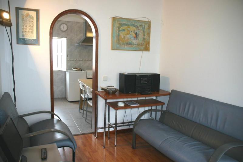 Low cost flat in the most genuine Lisbon quarter - Image 1 - Lisbon - rentals