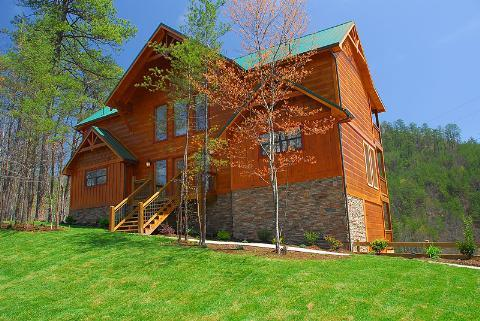 Valley View-tiful - 5BR/5BA, Sleeps 18 - Image 1 - Pigeon Forge - rentals