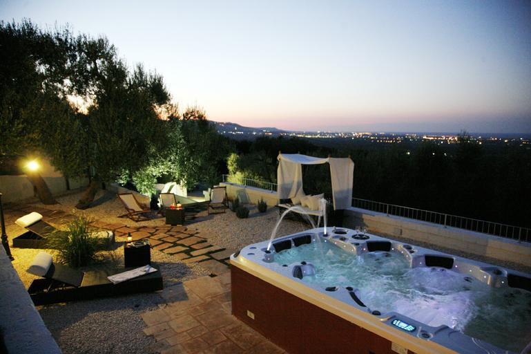 one of the panoramic  terrace  + Jacuzzi 7 places - Vigne di Salamina, Jacuzzi and sea views erraces - Fasano - rentals