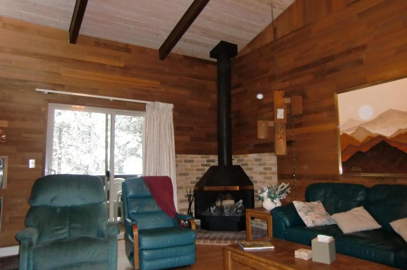 GREAT ROOM - MOST FOR YOUR MONEY IN SUNRIVER 8 FREE SHARC PASS - Sunriver - rentals