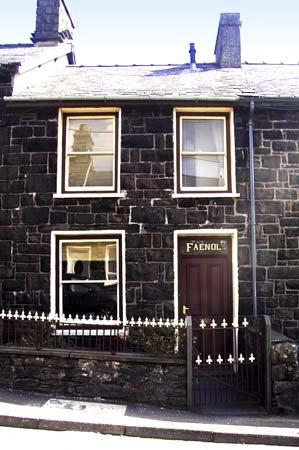 FAENOL, pet friendly, country holiday cottage, with a garden in Llan Ffestiniog, Ref 4549 - Image 1 - Llan Ffestiniog - rentals