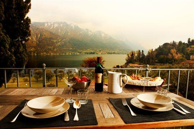 dining area on the balcony - A charming apartment in front of the lake - Bellagio - rentals