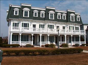 Lovely 4 BR/5 BA Condo in Cape May (Condo with 4 BR/5 BA in Cape May (100177)) - Image 1 - Cape May - rentals