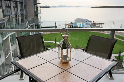 View from the deck - The Pier Condo on the Waterfront in Sidney - Sidney - rentals