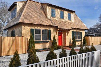 RED DOOR RETREAT: NEW IN-TOWN LUXURY HOME - EDG JCHI-37 - Image 1 - Edgartown - rentals