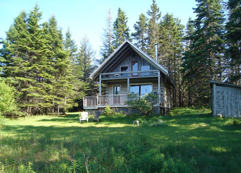 Log Chalet - Big Hill Retreat - secluded Log Chalet - Baddeck - rentals