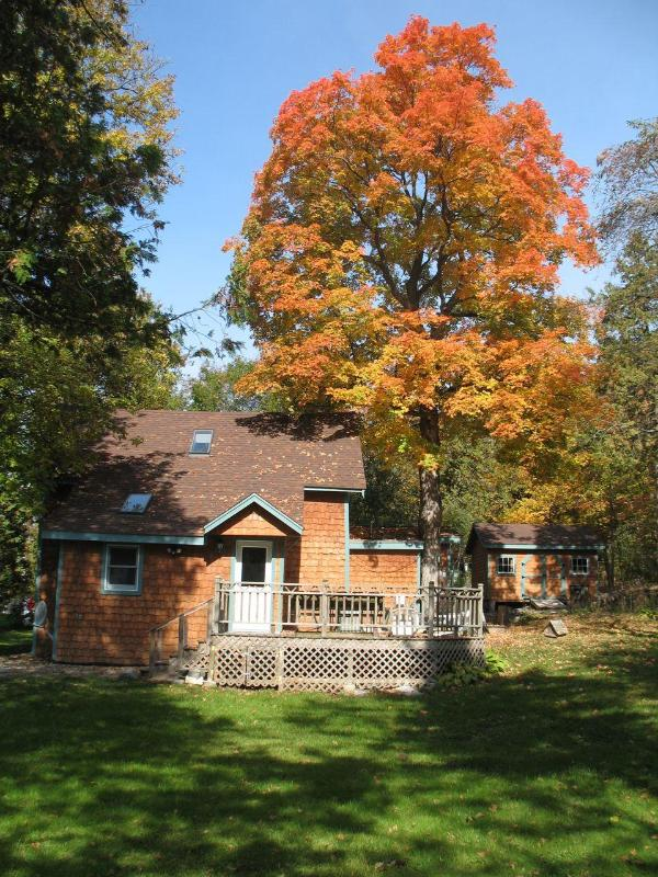 Quiet, cool summers - Dee's Lake House on Champlain, close to Burlington - North Ferrisburg - rentals