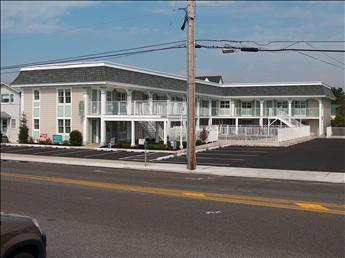 Comfortable Condo with 1 Bedroom/1 Bathroom in Cape May (99217) - Image 1 - Cape May - rentals