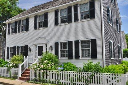 THE COLONIAL ON COTTAGE STREET: VILLAGE CLASSIC WITH CONTEMPORARY FLAIR - EDG CRIC-19 - Image 1 - Edgartown - rentals