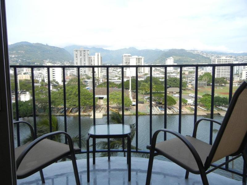 The best value in Waikiki! Free parking! - Image 1 - Waikiki - rentals