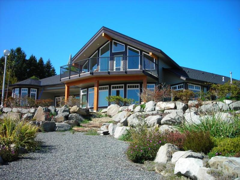 Beachside Garden B & B with front garden - Beachside Garden B & B - all 3 rooms - Ladysmith - rentals