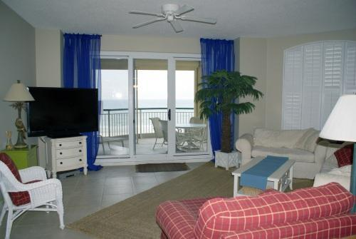 Spacious, light filled living area with Gulf Views - Beach Colony W-3C Luxury 3rd Flr Condo Perdido Key - Pensacola - rentals