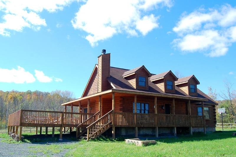 One of our luxury log homes - 3 BR Luxury Log Home in Catskills w/ game room - Margaretville - rentals