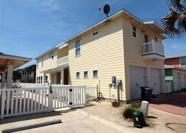 3 Bedroom 3.5 bath home in a fabulous gated community! - Image 1 - Port Aransas - rentals