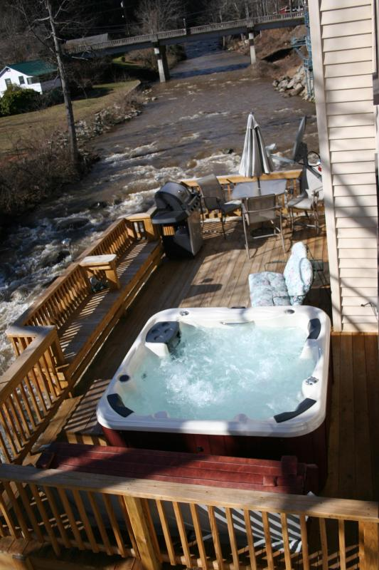 Rear deck before 4 Inch Insullated awning,Now has 6 seat glass top table, 20ft above river!  - 3Br HOT TUB 20ft above River, FIRE PLACE, GAMEROOM - Bat Cave - rentals