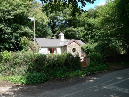 Pet Friendly Holiday Home - Step In, Abermawr - Image 1 - Pembrokeshire - rentals