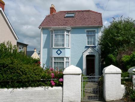 Pet Friendly Holiday Cottage - Bro Dawel, Newport - Image 1 - Newport - rentals