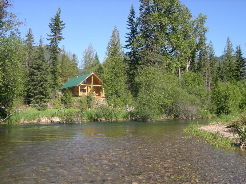Relax creekside in solitude and comfort. Cabin #3 - Kootenai River Outfitters Vacation Cabin Rentals - Troy - rentals
