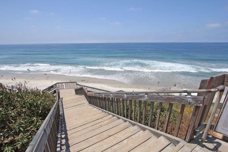 Steps to the fantastic beach. - Carlsbad Beach House.  By  Lifeguard Station #28 - Carlsbad - rentals