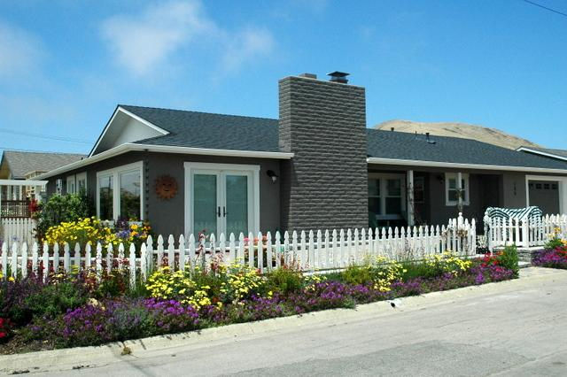 Beautifully remodeled home with great outdoor spaces.  1 block to beach! - Beautiful home - 1 block from Beach - Ocean Views! - Morro Bay - rentals