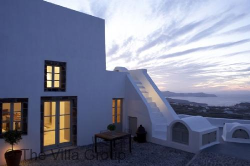 Charming 3 Bedroom-1 Bathroom House in Santorini (Villa 38546) - Image 1 - Pyrgos - rentals