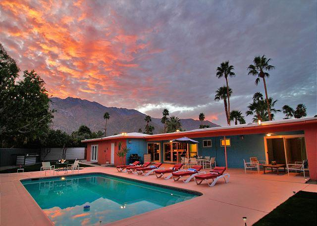 Hardy Park Hangout ~ An Entertainer's Paradise ~ - Image 1 - Palm Springs - rentals