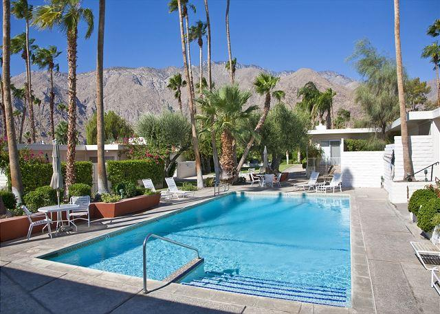 Heated Community Pool and Spa area - Vintage Dream ~ 15% off 5 night stay thru 10/1 - Palm Springs - rentals