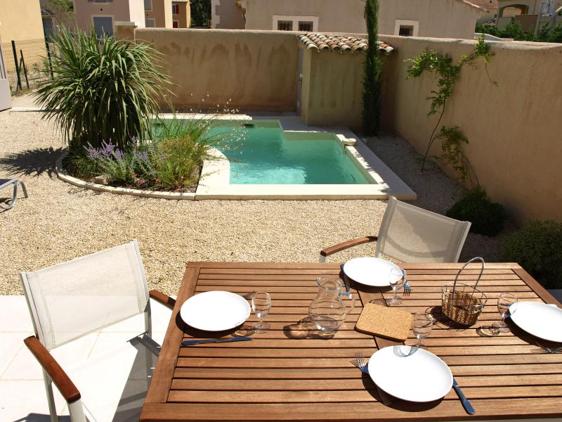 Provence House with Pool for Family Near St-Remy - Maison Ines - Image 1 - Saint-Remy-de-Provence - rentals