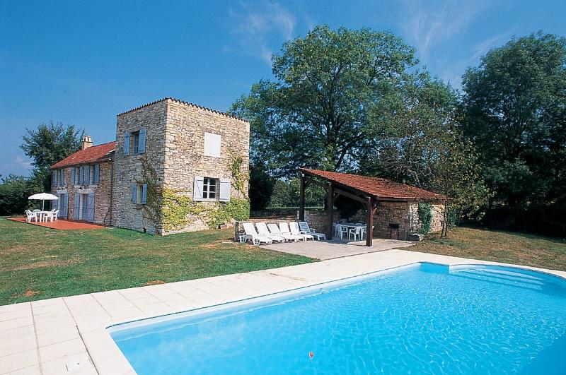 Villa with Pool in the Lot Valley, France - Villa Alain - Image 1 - Midi-Pyrenees - rentals