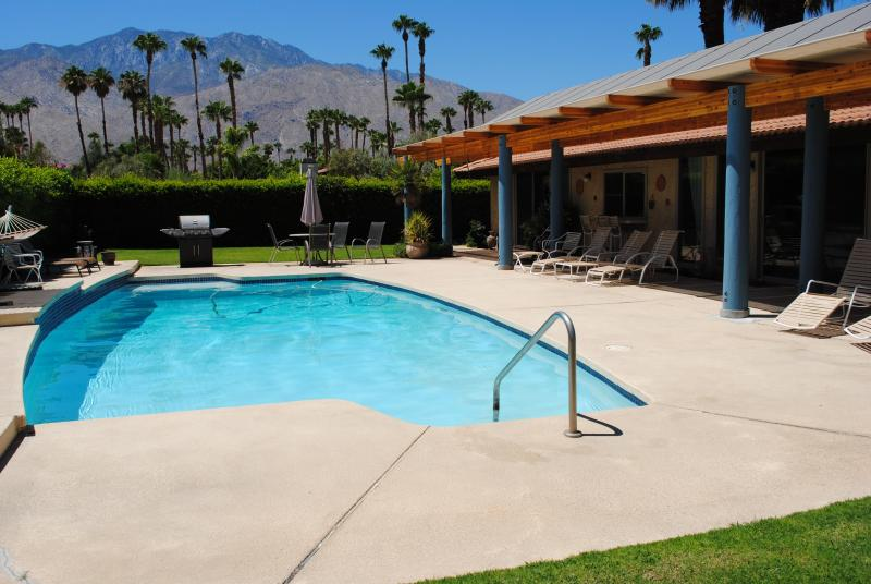 Our pool with Mountain views - Eco-Friendly Palm Springs Oasis - Palm Springs - rentals