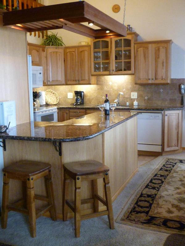 Granite topped counters - Groomed Ski in/out above Canyon Lodge/ Mammoth - Mammoth Lakes - rentals
