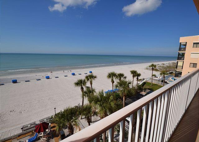 Sand Castle II 2505 Gulf Front 3 bedroom 2 bath  - Pool, Spa, BBQ & WiFi - Image 1 - Indian Shores - rentals