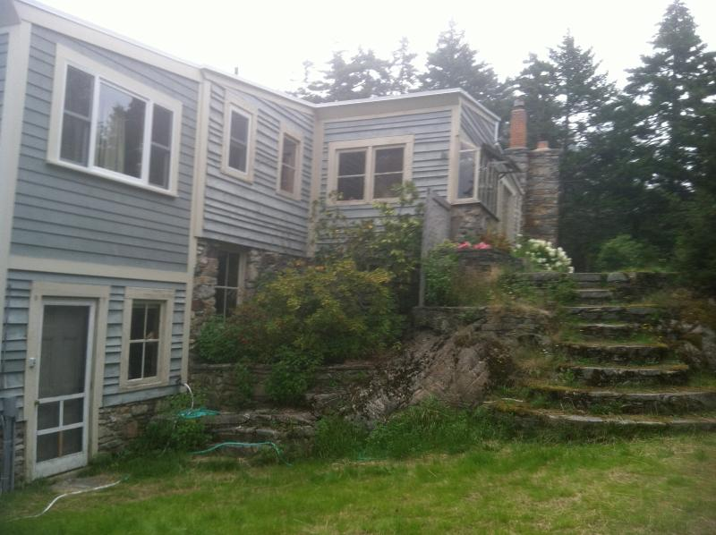 House & Stone Steps - The Cranberry Island Artist's Home - Great Cranberry Island - rentals