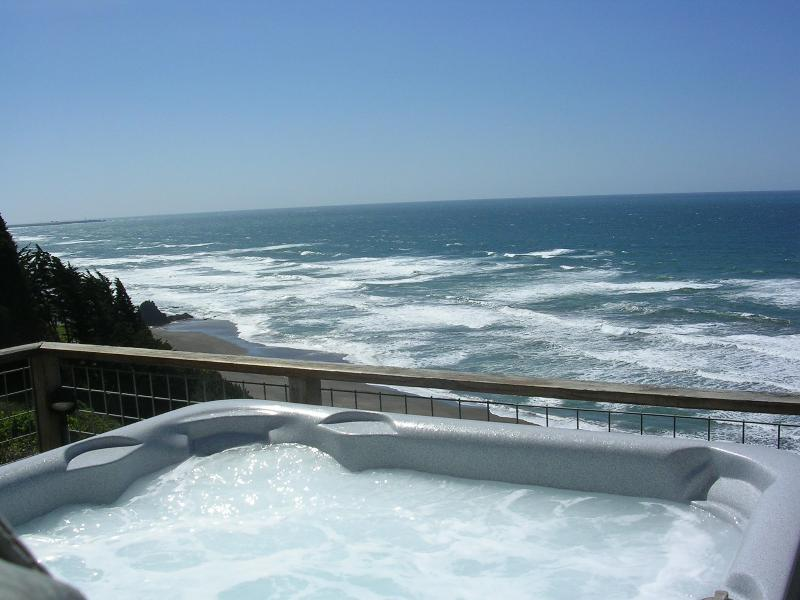 Hot Tub overlooking the surf - Oceanbluff Mendocino Coast Home - Mendocino - rentals