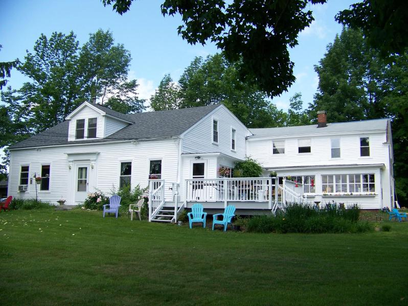 Maple Grove Farmhouse - Charming Apt in Country Farmhouse,Private,Romantic - Barre - rentals