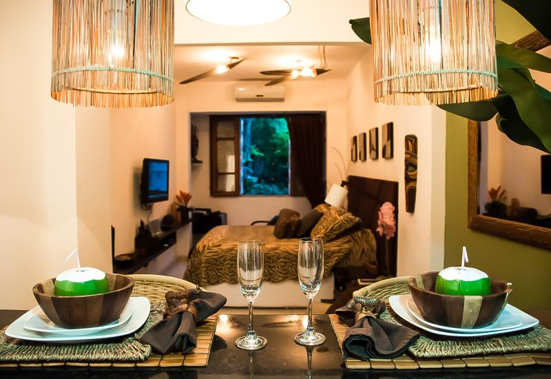 Tropical chic - Copacabana luxury suite - Image 1 - Copacabana - rentals