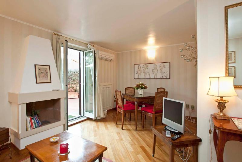 Beautiful flat between Vatican and Gianicolo! - Image 1 - Rome - rentals