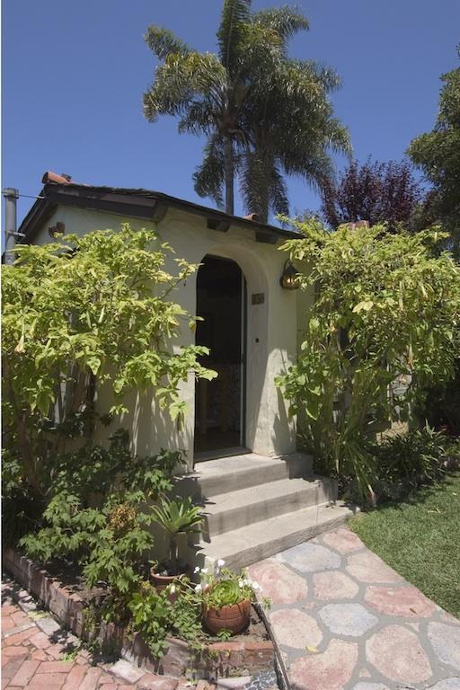 Entrance to the Green Cottage - Manzanita Cottages of Laguna Beach, CA - Laguna Beach - rentals